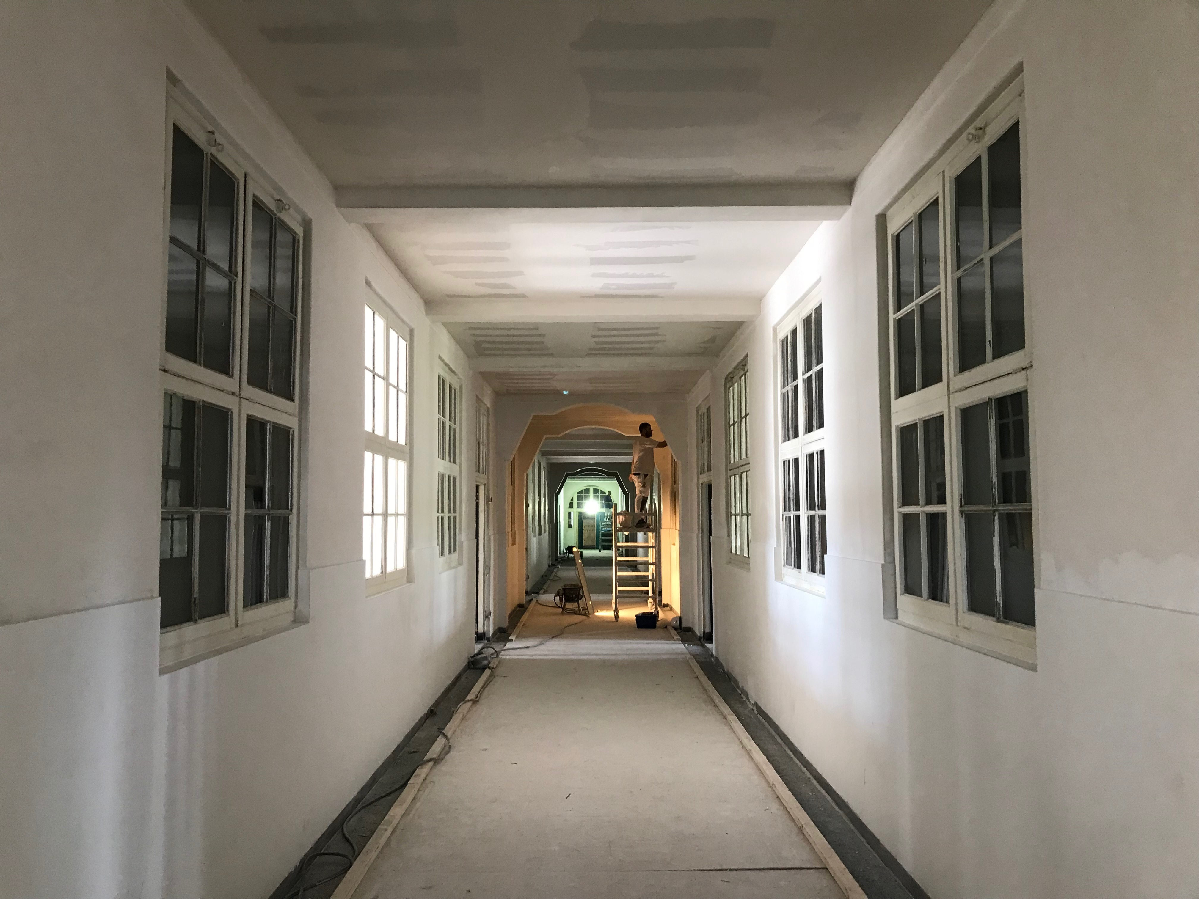 Ambachtsschool stucwerk hal